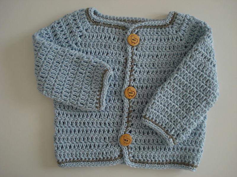 Tricot facile une petite veste en un seul morceau