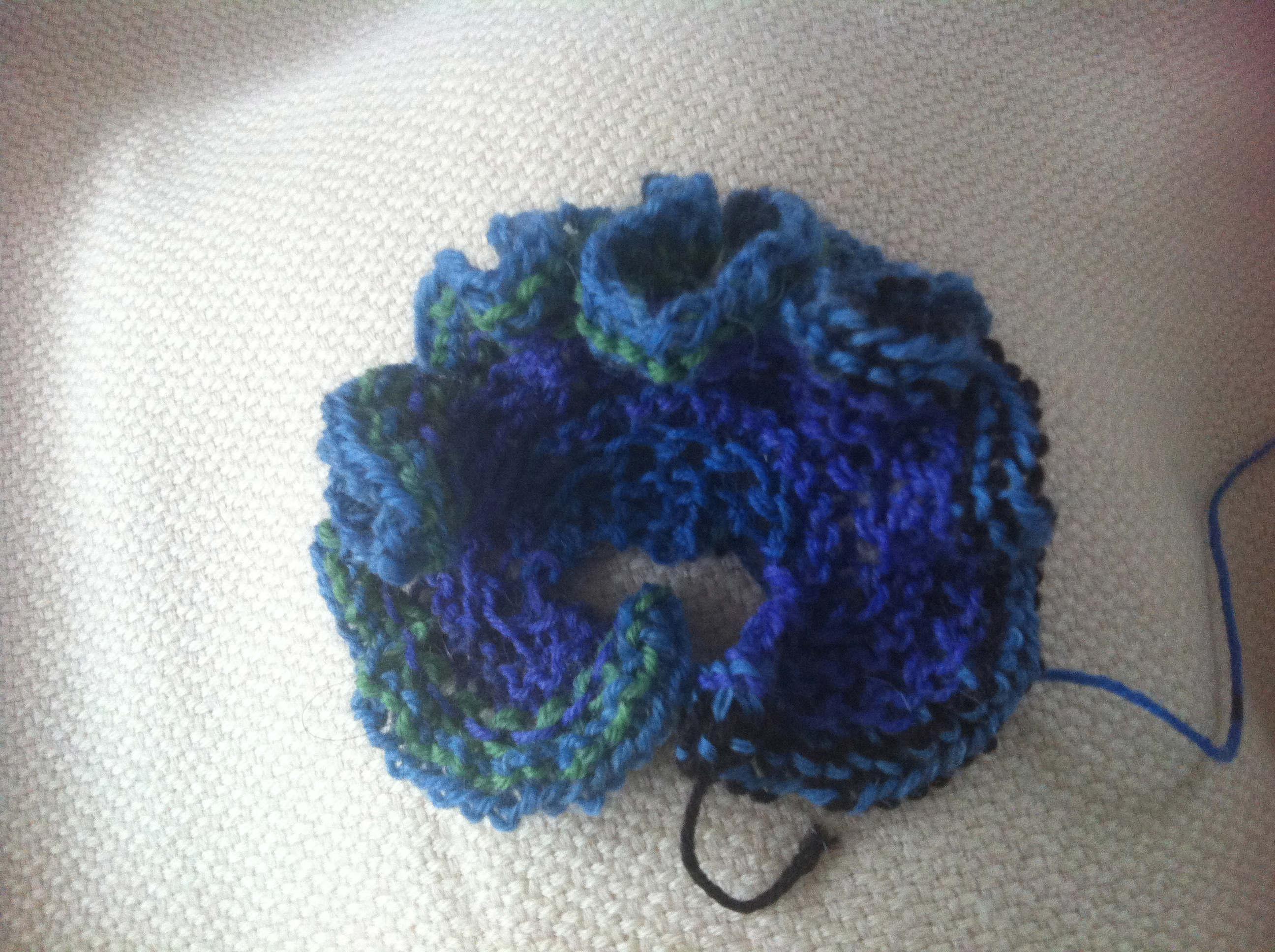 Tricoter fleurs aux aiguilles